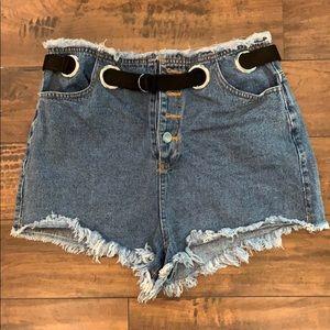 Grommet belted denim shorts